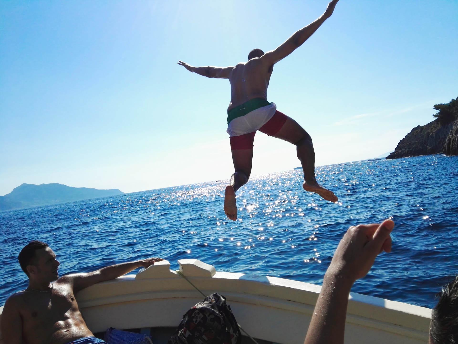 Divertente escursione in barca in Costiera Amalfitana