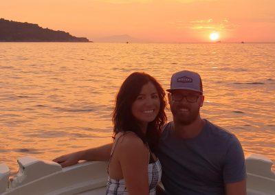 Escursione in barca romantica al tramonto di Capri per coppie