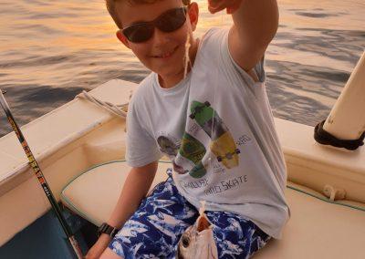 Pescaturismo di notte per bambini