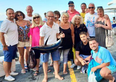 Grande tonno pescato a Sorrento durante una escursione di pescaturismo