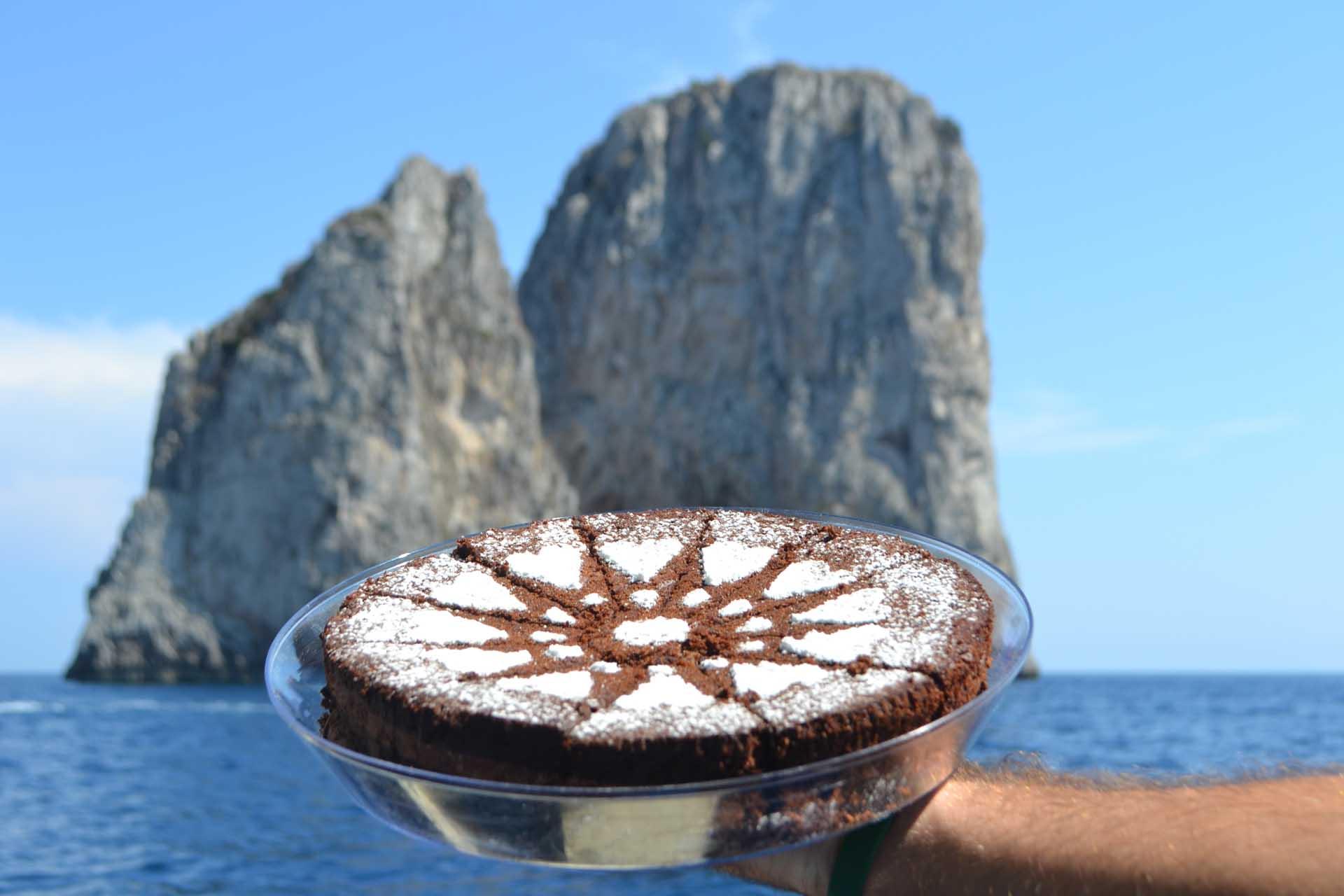 Torta Caprese con Faraglioni