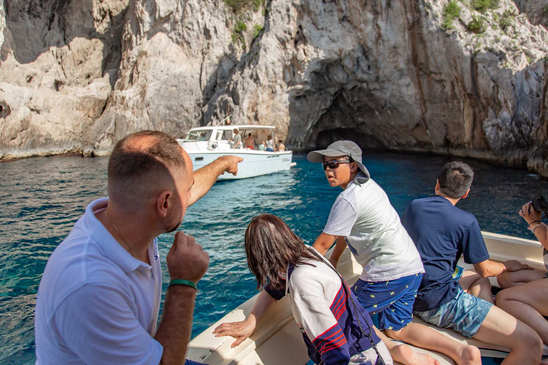 Capri caves tour by boat